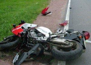 Zaqatala sakini motosikleti ağaca vurdu, hadisə yerində keçindi