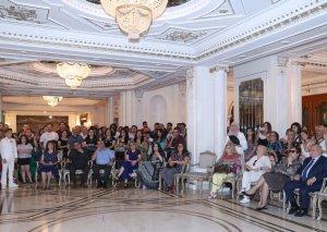 Musiqili Teatrın aktyorları mükafatlandırıldı