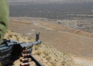 Silahlılar Suriyada yaşayış məntəqələrini atəşə tutublar