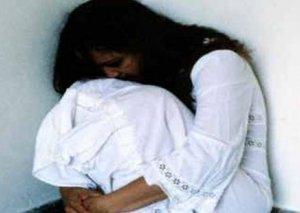 Sorğu: Məişət zorakılığına məruz qalan hər 4 qadından biri qeyri-rəsmi nikahdadır