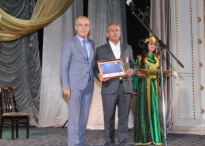 Sumqayıt Dövlət Dram Teatrında mükafatlandırma mərasimi keçirilib