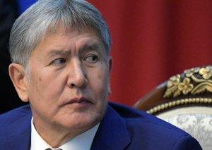Atambayev girov götürülmüş xüsusi təyinatlıları buraxacağını vəd etdi (YENİLƏNİB)