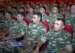 Əlahiddə Ümumqoşun Orduda bölük, batareya komandirləri və müavinləri ilə toplantı keçirilib