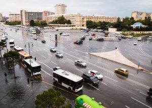 Metronun bu stansiyaları ətrafında nəqliyyat axınına nəzarət gücləndirilib