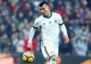 """""""Beşiktaş""""dan ayrıldı, İtaliya klubuna keçir"""