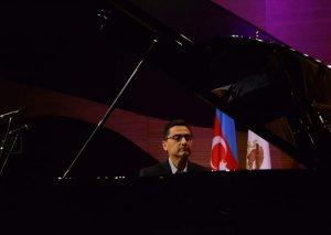 Bakıda meksikalı pianoçunun konserti olub