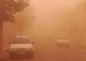 İranda saatda 101 km sürətlə əsən külək qum qasırğası yaratdı