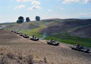 Azərbaycan Ordusunun təlimlərində qoşunlar yerdəyişmə tapşırıqlarını icra edib