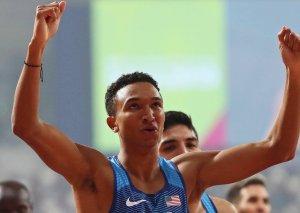 Amerikalı atlet dünya rekordunu qırıb
