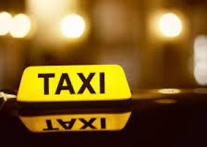 Bakıda taksi sürücüsü sərnişini döyərək pullarını aldı
