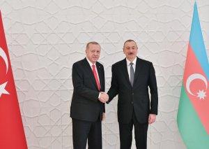 Azərbaycan Prezidenti İlham Əliyev Türkiyə Prezidenti Rəcəb Tayyib Ərdoğan ilə görüşüb