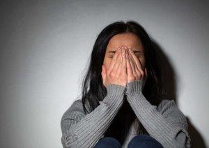 Bakıda itkin düşmüş 44 yaşlı qadını polis evə qaytarıb