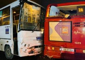 Bakıda 2 avtobusun toqquşduğu ağır qəzanın TƏFƏRRÜATI - VİDEO