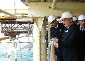 """Rövnəq Abdullayev: Gələcəkdə """"Neft Daşları""""nın infrastrukturuna digər yataqlar da qoşulacaq"""