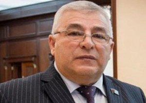 """Elman Məmmədov: """"Vətəndaşlara bildirilir ki, ölkədə olmamısan, sənə müavinət düşmür"""""""