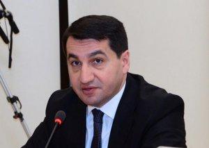 Hikmət Hacıyev Prezidentin köməkçisi −