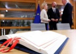 Avropa İttifaqının rəhbərləri Brexit haqqında sazişi imzaladılar