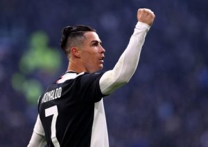 Kriştianu Ronaldo instaqramda izləyicisi 200 milyona çatan ilk şəxs olub