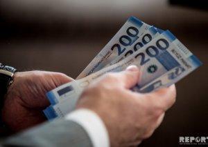 Azərbaycanda neçə nəfər 8 000 manatdan çox maaş alır?