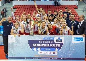 Azərbaycanlı voleybolçu Macarıstan Kubokunun qalibi oldu - FOTOLAR
