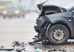 Tovuzda iki avtomobil toqquşdu, qadın xəsarət aldı