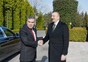 Türkmənistan Prezidenti Qurbanqulu Berdiməhəmmədovun rəsmi qarşılanma mərasimi olub - FOTOLAR
