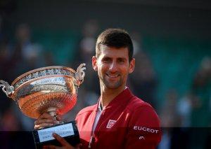 Novak Cokoviç Serbiyaya 1 milyon avro yardım etdi
