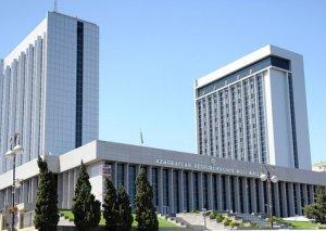 Milli Məclisin Aparatında kadr islahatları başladı