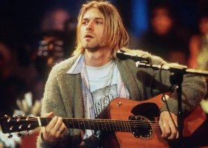 Gitarası 1 milyon dollara xərraca çıxarılacaq