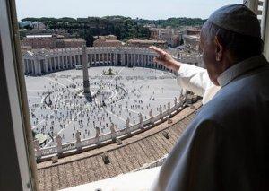 Papa Fransis 3 aydan sonra ilk dəfə xristianlara xeyir-dua verdi