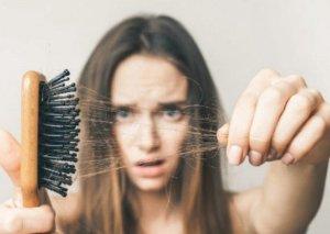 Fəsil dəyişən zaman saç tökülməsi nədən xəbər verir?