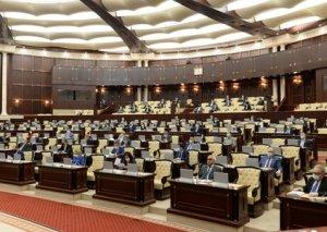 Parlament karantin qaydalarının pozulmasına görə yeni cərimələri təsdiqlədi