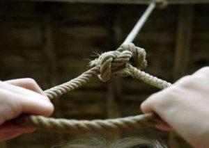 Daşkəsəndə orta yaşlı qadın intihar edib
