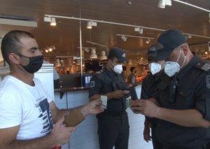 Supermarketlər və apteklərdə maska taxmayanlara qarşı reydlər keçirildi FOTO