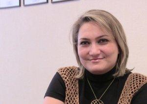 """""""Bakı kəndlərində qızları 5-6-cı sinifdən çıxarıb oturdurlar evdə"""" - hüquq müdafiəçisi"""