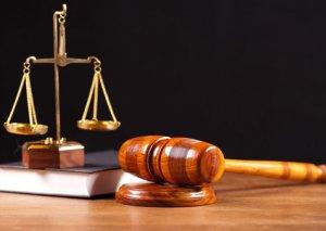 Falçı adı ilə 96 min alan qadın hakim qarşısına çıxarıldı