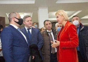 Milli Məclisinin deputatları Prezident seçkilərini müşahidə etmək üçün Moldovada səfərdədirlər FOTO