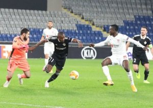 """""""Qarabağ"""" antirekordunu yeniləyib"""