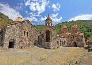 Mədəniyyət Nazirliyi: Xudavəng monastır kompleksi talan edilib - BƏYANAT