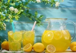 Limonlu suyun faydalı xüsusiyyətləri açıqlandı