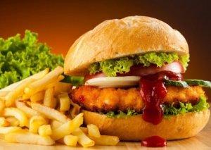 """""""Fast food""""un yeniyetmələrə zərəri aşkarlandı"""