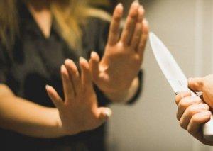 Masallıda körpəsinə süd verən zaman ərinin 16 bıçaq vurduğu qadına təzyiqlər var TƏFƏRRÜAT
