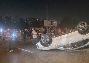 """Bakıda aşan """"Porsche""""ni görün kim sürüb? - VİDEO/FOTO"""
