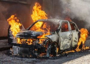 Bakıda 3 avtomobil yanıb