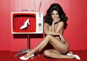 Pamela Anderson silikonlarını çıxartdı...