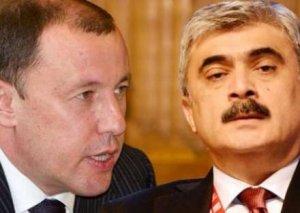 Həbsdəki bankir maliyyə nazirini yerdən - yerə vurdu: