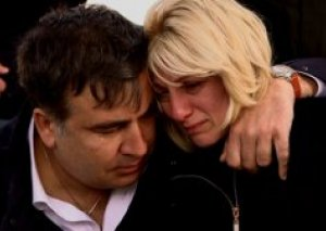 Saakaşvilinin xanımı siyasi mübarizəni dayandırdı, amma...