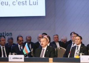 Prezident İlham Əliyev İstanbulda D-8 İqtisadi Əməkdaşlıq Təşkilatının IX Zirvə görüşündə iştirak edir