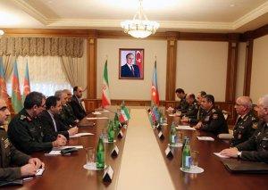 Zakir Həsənov İran generalları ilə görüşdü