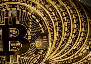 Bitkoin rekord azalmadan sonra bahalaşdı